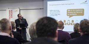 Pressbild. Ola Toftegaard, regionchef , Svenskt Näringsliv Jämtland presenterar undersökningen om företagsklimatet i Jämtland.