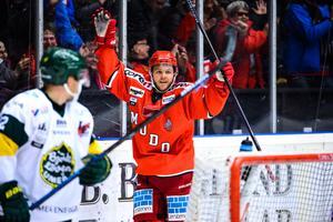 Tommy Enström jublar efter sitt magnifika 1–0 mål mot Björklöven. Foto: Erik Mårtensson/BILDBYRÅN