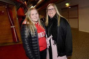 Elin Söderström och Anna Högback var hoppfulla innan matchen.