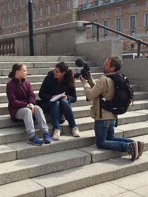 Klimatdemonstrationens absoluta fixstjärna är naturligtvis 16-åriga aktivisten Greta Thunberg som intervjuades flera gånger under fredagen.