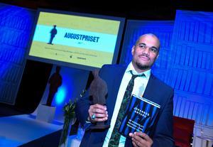 Augustpristagaren Johannes Anyuru är nu också nominerad till Vi:s litteraturpris.