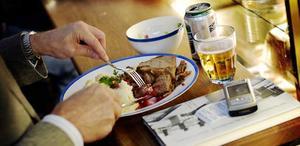 Västerås luncher är dyra - men prisökningen har stannat av. Foto: Jurek Holzer/Scanpix