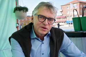 """""""Det här är en stor framtidsbransch och att då i från politiskt håll öka skatter är inte acceptabelt. Jag förstår inte M, KD och SD som gör det här. Det är alarmerade att man agerar så emot småföretag på den Jämtländska landsbygden,"""" säger Per Åsling (C)."""