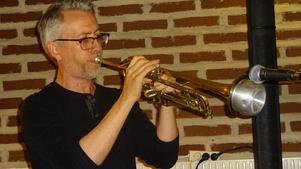 Pianisten Jonas Nyström tog stundom fram trumpeten.