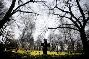 Alltfler väljer bort en kyrklig begravning, även bland kyrkans medlemmar.