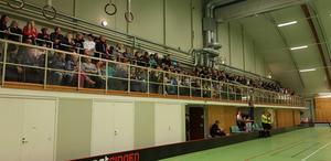 Midas IBK ligger i topp både i tabellen och i publikligan. På fredag väntas ny drabbning i Hallstaviks sporthall.