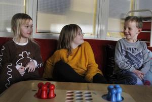 Alva Caesar, Lovis Eld och Pelle Selin går i förskoleklass på Skolbyn i Hudiksvall.