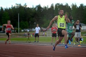 Stefan Tärnhuvud – först i mål på 100 meter. 10,54 efter att startskottet gick.
