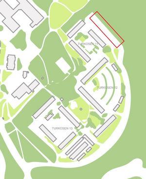Den röda markeringen visar var de nya husen skulle ligga.Skiss: Telge bostäder