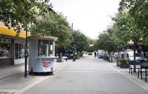 Fastighetsägarna för Fyren och Guldsmeden riktar klagomål mot matvagnen och anser att den bland annat står i vägen.