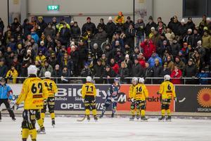 Matchen mellan Broberg och Bollnäs i Helsingehus arena kommer spelas över 3 x 30 minuter.