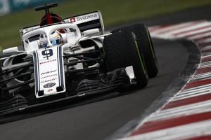 Marcus Ericsson i Mexiko (på regndäck under tredje tidsträningen). Foto: Sauber Motorsport