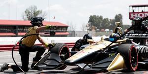 Marcus Ericsson i säsongens sista race, på Laguna Seca. Örebroaren kvalade in som elva, och är på jakt efter poäng som stärker aktierna inför nästa år.