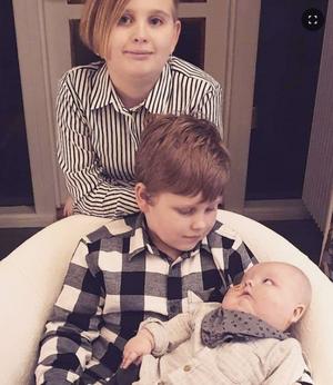 Walder med sina storasyskon Nowa och Tamlin.