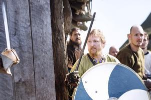 Det finns en rad ortsnamn som visar på speciella underhövdingar eller framstående krigare i Skaraborg.