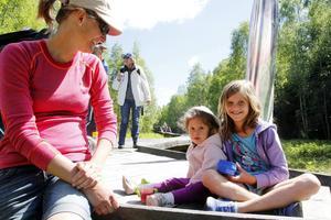 Linda Hurtigh var på plats med sina barn Anna Linnea, 9, och Fiamma, 2.