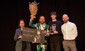 Försäljnings- och marknadschef Anja Borum, Johan Kristenssen, modellen Joel Klippmark och Jason Dyer, jurymedlem. Bild: Claus Peuckert, Nordic Hair Awards