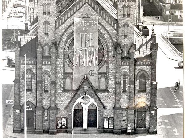 1984 satte Folkteatern upp Tre Systrar i Sjömanskyrkan. Foto: GD:s arkiv