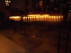 146 ljus hade tänts för nära och kära.