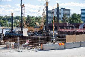 Slussbygget förväntas vara klart år 2021.
