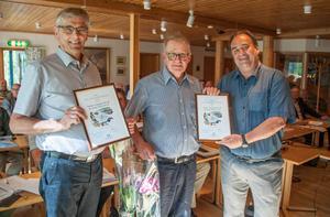 Ove Bergström, ordförande i Nedre Ljungans Fiskevårdsområde och Leo Oras från förvaltningsgruppen fick motta priset som Årets fiskevårdsområde av Erik Degerman, fiskeribiolog.