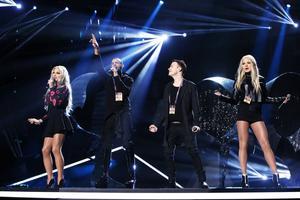 Pink Pistols framför bidraget I Am Somebody under torsdagens repetitioner inför Melodifestivalens andra deltävling i Linköping.