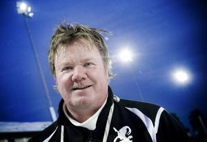 Tränaren Mats Olsson och hans Team Hälsingland har en tuff helg framför sig.