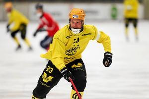 Johan Löfstedt lämnar åter igen moderklubben, den här gången efter fem år.