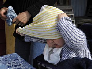 Barnperspektivet saknas helt i förslaget om karensdag för vård av barn. Foto Hasse Holmberg / TT