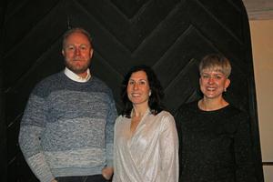 De föräldrar som tog initiativet till att ordna en egen julavslutning i Viby kyrka för eleverna på Östansjö skola är Teddie Kling, Johanna Kling och Beatrice Ander.