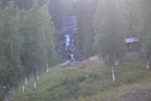 Västanåfallet i Viksjö var ett av utflyktsmålen på släktjubileet. Lasse Noren guidade.