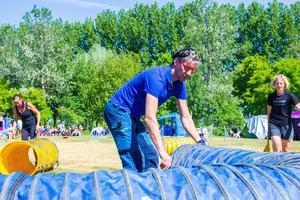 Pär Tangfelt samarbetade tillsammans med ett trettiotal andra för att arrangera Svenska agilityklubben Bollnäs agilitytävlingar på Långnäs.