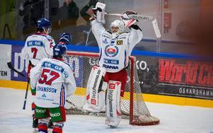 Christoffer Rifalk  jublar efter Oskarshamn under söndagen blev klara för spel i Playoff mot Leksand.Foto: Suvad Mrkonjic