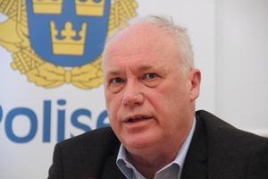 Lars Johansson utreder just nu om det finns något samband med de misstänkta insulinförgiftningarna i Göteborg och ett liknande fall i Skaraborg.