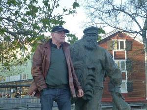 Lars Berglund vid Fiskargubben på Möljen i Hudiksvall.