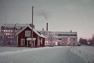 Det nya skolhuset i Hole byggdes 1918. Foto: Backa Erik Eriksson