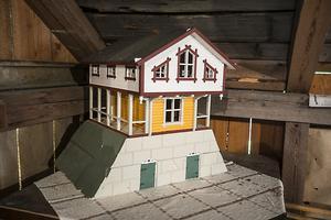 Lars Ekström byggde den här modellen när han studerade till byggnadsingenjör i Östersund.