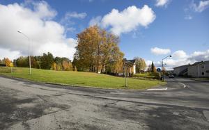 Här ska nya lägenheter byggas, mitt i Järpen. Det är Inkluderande Fastigheter AB som bygger.