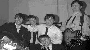 1 juli 1964. The Animals. Från vänster: Hilton Valentine, John Steel (trummis och originalmedlem som kommer till Intiman), Eric Burdon and Chas Chandler. Framför dem står Alan Price.
