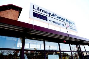 En kvinna har bekräftats ha smittats av coronavirus. Kvinnan är patient på Länssjukhuset Ryhov i Jönköping.