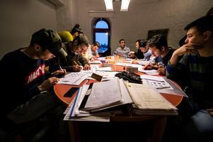 Full koncentration på grammatik för asylsökande som inte fått uppehållstillstånd.