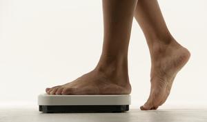 God folkhälsa får inte vara begränsad till den grupp som har råd att äta hälsosamt, eller som har råd, tid och ork att motionera på sin fritid, skriver debattförfattarna.