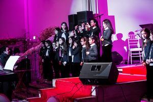 Delar av The Edessa school's children's choir från Botkyrka