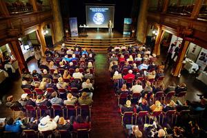Gamla teatern har under hela sin historia varit en plats inte bara för teater utan också för andra möten. Foto: Robert Henriksson