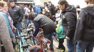 Köplusten var stor på Baptistkyrkans cykelbytardag, vilket gav både nöjda säljare och köpare.