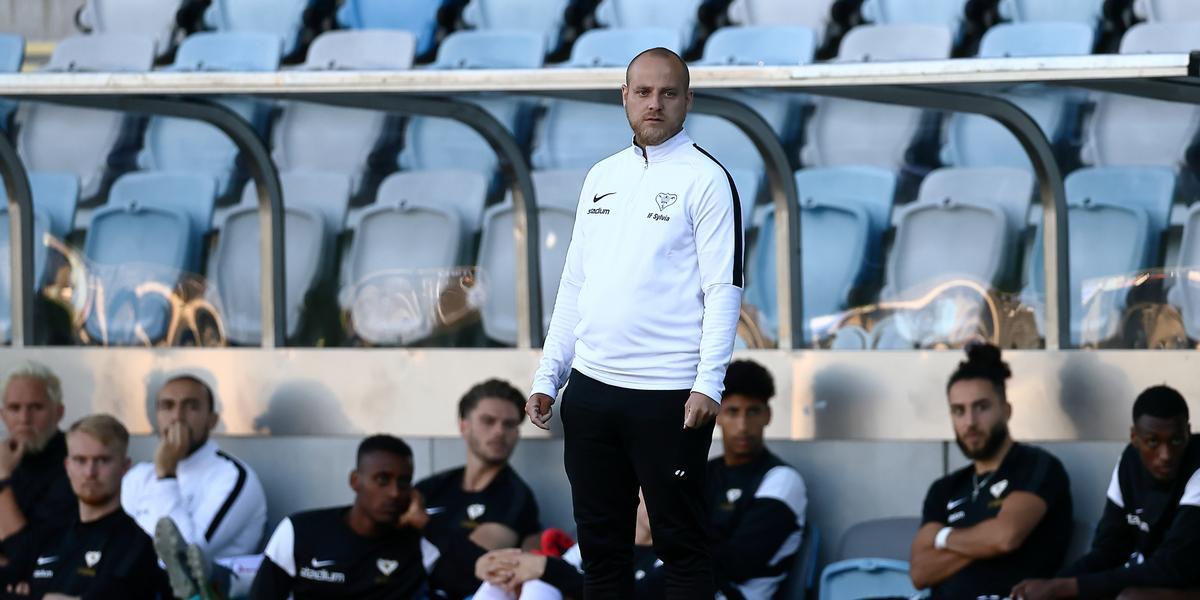 """Klart – doldisen tar över som huvudtränare i Kif Örebro: """"Vill spela en väldigt offensiv fotboll"""""""