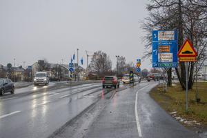 Här, på Krondikesvägen utanför Parkskolan, planeras en gång- och cykelväg för  15,8 miljoner kronor.
