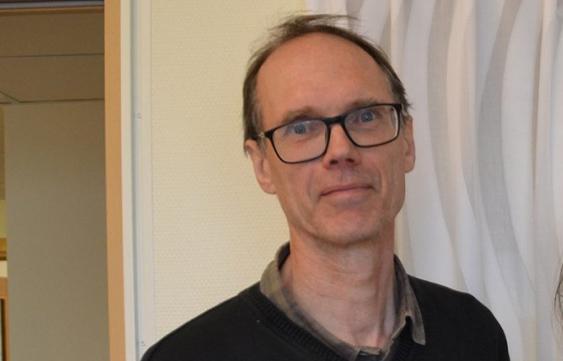 Rolf Östman, verksamhetsledare för högstadiet och gymnasiet på Kumla kommun, tror inte att nedläggningen av JN-gymnasiet innebär att kommunen tvingas säga upp lärare. Arkivfoto: NA