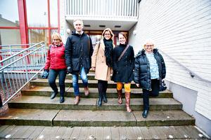 Margaretha Wedin, C, Jörgen Edsvik, S, Åsa Wiklund Lång, S, Therese Metz, MP, och Helene Åkerlind, L, presenterade sin gemensamma budget i Staffansskolan på Brynäs.