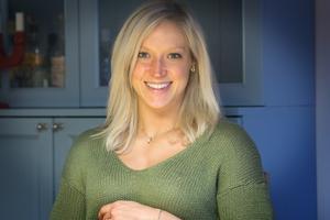 Att föda sitt första barn i ett främmande land är ingenting som oroar Brittany Harris.
